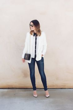 Wardrobe staple: the white blazer. Caroline shares why this Mural shawl collar blazer is one of the best on the market. << HOUSE of HARPER