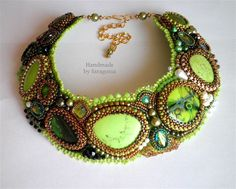 Bead embroidered collar necklace with Green Apple Turquoise and Swarovski Crystals. zł747,00, via Etsy.
