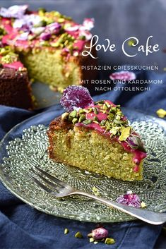 """Liebeskuchen mit Rosen und Pistazien - Love Cake aus dem Buch """"Sweet"""" von Ottolenghi und Goh, Grießkuchen"""