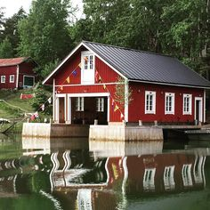 Boat house in midsummer decoration Boat House, Archipelago, Boats, Fishing, Villa, Cabin, Decoration, House Styles, Home Decor