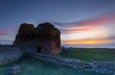 Kalø slot. Kalø Slot is a ruined castle located in eastern Jutland, in Denmark.