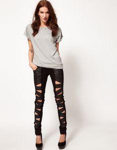 Tayt Pantolon Modelleri - http://www.gelinlikvitrini.com/tayt-pantolon-modelleri/ - #2015TaytPantolonModelleri, #2016TaytPantolonModelleri   Tayt Pantolon Modellerisize farklılık kazandıracak. Bir Pantolon modelinden ne istersiniz? Tayt pantolonlar kumaş olarak o kadar hoş ve rahat bir tasarıma sahip ki, siz giymekten zevk alırken, aynı zamanda modellerde büyük bir modern renkler var. Tayt kumaşlar Nikralı modellere benzer. Yani süne...