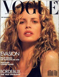 Kim Basinger pour le numéro de mai 1987 de Vogue Paris: http://www.vogue.fr/photo/les-couvertures-de/diaporama/le-cinema-en-couverture-de-vogue-paris/7774/image/517016#kim-basinger-pour-le-numero-de-mai-1987-de-vogue-paris
