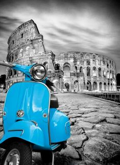 Scooter in front of the Colosseum Splash Photography, Color Photography, Black And White Photography, Street Photography, Black And White Pictures, Black And White Colour, Vespa, Vintage Images, Vintage Posters