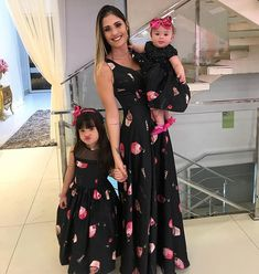 Mom Daughter Matching Outfits, Mommy Daughter Dresses, Mommy And Me Dresses, Mother Daughter Fashion, Mommy And Me Outfits, Baby Girl Dresses, Model Dress Batik, Cotton Frocks, Girl Dress Patterns