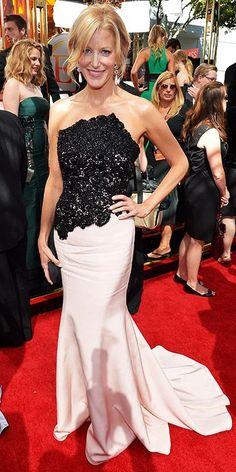 Emmy Awards 2013 - Anna Gunn in Romona Keveza