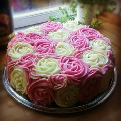 Cake of roses