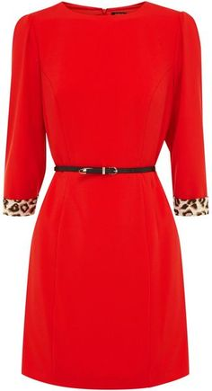 Gorgeous red w detail on the sleeves!!