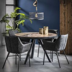 Rundt spisebord i teak og metal Table Style Scandinave, Dining Table Chairs, Chicago, Diy Table, Outdoor Furniture, Outdoor Decor, Chair Design, Colorful Interiors, Sweet Home