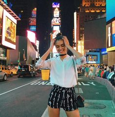 "13.1k Likes, 42 Comments - Gizele Oliveira (@giizeleoliveira) on Instagram: ""Flashback with Times Square ✨ #nyc #timessquare #throwback"""