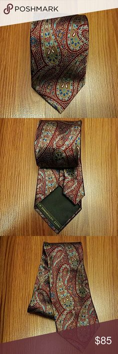 Men's Ermenegildo Zegna Necktie Ermenegildo Zegna necktie. Paisley, 100% silk. Made in Italy. Worn a few times but still in good condition. Ermenegildo Zegna Accessories Ties