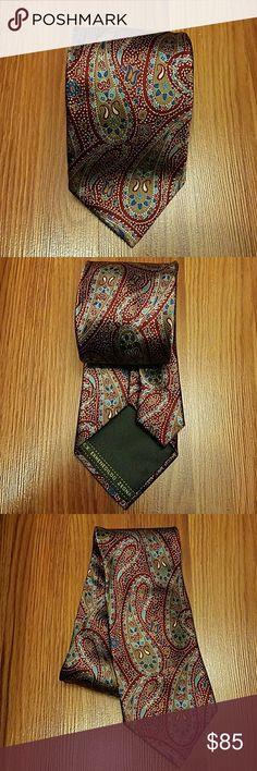 Men's Ermenegildo Zegna Necktie Ermenegildo Zegna necktie. Paisley, 100% silk. Made in Italy. Worn a few times but still in good condition. Ermenegildo Zegna Accessories Ties