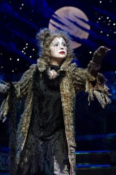 Lea Salonga as Grizabella.