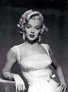 ★ Marilyn Monroe ♡ Old Hollywood ★ Marylin Monroe, Marilyn Monroe Fotos, Marilyn Monroe Style, Vintage Hollywood, Hollywood Glamour, Classic Hollywood, Hollywood Stars, Joe Dimaggio, Viejo Hollywood