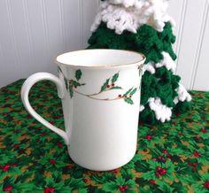 Boehm Mug Holly Design 1989 England Christmas Tea 40th Anniversary Boehm 4.25 Inches