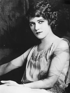Mary Pickford, my great-grandmother's style and beauty icon