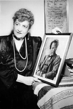 Alma Mahler-Werfel with the portrait of Gustav Mahler