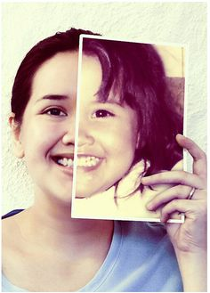 Een kinderfoto (de helft van je gezicht, afgedrukt op groot formaat) naast je huidige hoofd houden > *klikkerdeklik* > gegarandeerd je moeder blij maken deze kerst.