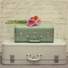 I heart vintage suitcases