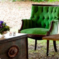 home design decorating decorating before and after design ideas house design Home Interior, Interior Design, Modern Interior, Interior Decorating, Tufted Chair, Estilo Retro, Take A Seat, My Living Room, Shades Of Green