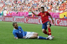 Daniele De Rossi - The best midfielder/defender in the world. :D