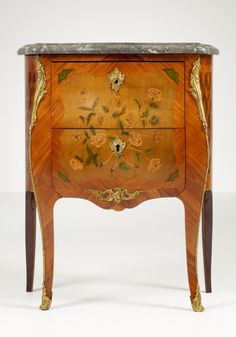 Small French Louis XV Commode, ca. 1755..BEAUTIFUL PIECE OF FURNITURE