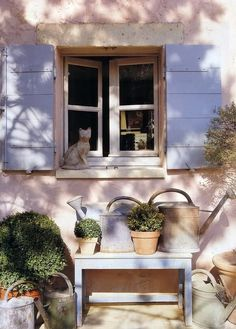 stone kitty in Provence Country Charm, Country Style, French Country, Provence Style, Provence France, French Windows, Cottage Design, Cottage Style, Window View