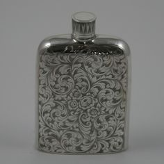 vintage flask | ... hip flask 550x550 The Ultimate Guide to Flasks: 10 Amazing Flasks