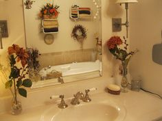 Bathroom dressed up for autumn