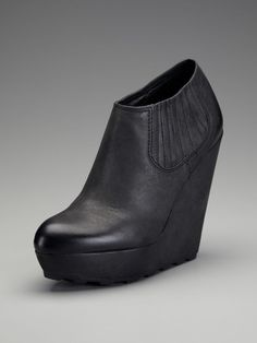 Fuji Bootie by Ash ... i want you!