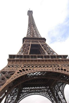 kiss me under the eiffel tower like they do in the movies.