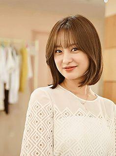 Geewonie Hair Style Korea, Kim Ji Won, Female Character Inspiration, Korean Star, Korean Actresses, Korea Fashion, Celebs, Celebrities, Korean Beauty