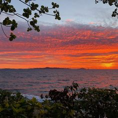 Every spectacular #sunset is an indication of a perfect day in paradise! Photo Creds: Jakal Taylor - Vinaka http://www.beachcomberfiji.com/