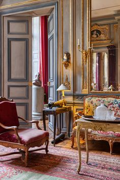 Private residence of interior designers Joseph Achkar & Michel Charriere in Paris. Quentin Moyse - Photographer.