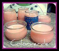 MIA¡¡¡ Ingredientes: 500 de leche 100 de leche condensada 50 de gelatina sabor que quieras (en este caso es de fresa) , limon, naranja ,frutas, etcc.... 1 yogurt natural Preparacion: Poner las leches y la gelatina en la jarra y mezcla 10 segundos al 4...