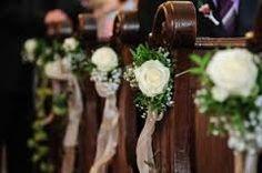 Risultati immagini per fiori panche chiesa