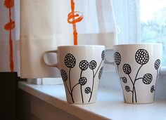 Drawing on cups with paint pen
