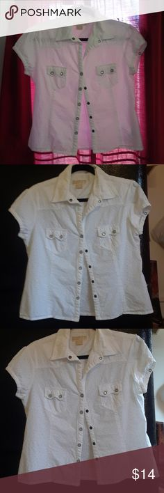 d1418fd1686 Michael Kors Blouse Cute MK blouse with snap buttons. Good used condition.  No stains