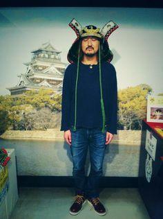 Tax-san: おしゃれな帽子みつけた。Mình tìm thấy một cái mũ rất phong cách.