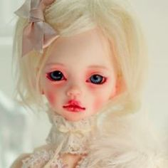 Larina D.I.M Doll