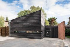 This modular prefab by London practice RDA Architects in collaboration with prefab and modular builders Boutique Modern is clad in Shou Sugi Ban timber with fit-outs selected by the owner.