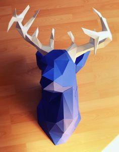 Ja, es ist ein Hirschkopf und ja, er ist komplett aus Papier! Wer auf der Suche nach einer imposanten Wanddekoration ist, ist hier genau richtig, denn der fast 1m große Hirschkopf zieht garantiert ...