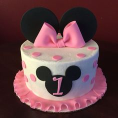 Third Birthday Girl, Minnie Mouse Birthday Cakes, Minnie Mouse First Birthday, 1st Birthday Party For Girls, Custom Birthday Cakes, Baby Birthday Cakes, Cowgirl Birthday, Birthday Ideas, Mickey And Minnie Cake