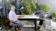Un mesón multiuso que puedes usar como escritorio o mesa de trabajo, que además tiene ruedas para un  traslado más fácil y cómodo #HUM @Homecenter_cl Desk, Furniture, Home Decor, How To Build, Houses, Timber Furniture, Desktop, How To Make, Home