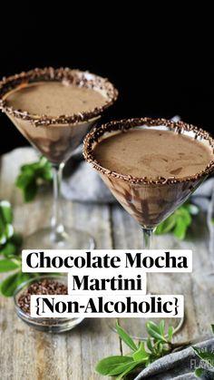 Chocolate Alcoholic Drinks, Best Non Alcoholic Drinks, Drink Recipes Nonalcoholic, Fun Drinks Alcohol, Alcohol Drink Recipes, Smoothie Drinks, Smoothie Recipes, Smoothies, Dessert Drinks