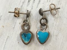 Tiny Turquoise Inlay Heart Earrings - Yourgreatfinds, Vintage Jewelry - 1