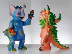 A kaiju love story among Toy Giants by Paul Kaiju and T9G ♥