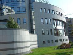 Naturstein i fasader er levert av Naturstein Montering AS på Sundvollen i Hole Kommune Multi Story Building, Natural Stones