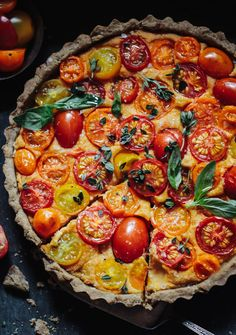 Heirloom Tomato Tart with a Walnut Base (Vegan & Gluten Free Heirloom Tomato Tart with a Walnut Base (Vegan & Gluten Free) - Rebel Recipes Gluten Free Snacks, Vegan Gluten Free, Gluten Free Tart Recipe, Gluten Free Quiche, Vegan Quiche, Gluten Free Pastry, Tart Recipes, Cooking Recipes, Heirloom Tomato Tart