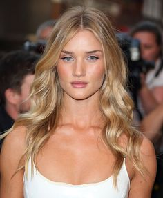 How to do naturally pretty makeup, with Rosie Huntington-Whiteley  - How to